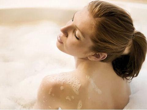 做梦梦见洗澡是什么意思图片